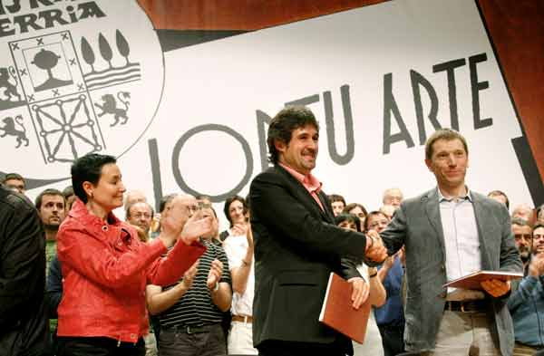 EA y Batasuna sellan un pacto por la independencia vasca