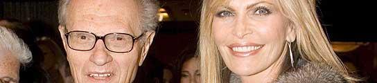 Larry King con su mujer, en un estreno de cine