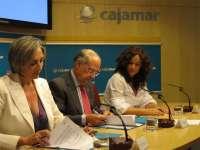 Extenda y Cajamar acuerdan servicios financieros para facilitar la salida al exterior de las pymes