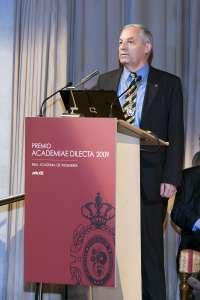 El profesor de la UC Enrique Castillo destinará a proyectos de cooperación los 100.000 euros del Premio en Ingenierías