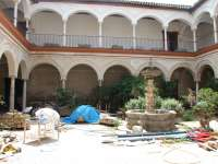 El pleno de Écija debate la comisión de Peñaflor y PP y PA alertan del posible expolio de piezas del palacio