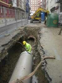 Las obras de renovación parcial de la red de saneamiento en Juan de la cosa acabarán la próxima semana
