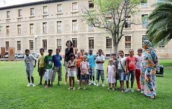 Casi 6.000 menores extranjeros participan en programas de acogida temporal en Aragón desde el año 2001