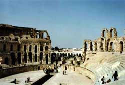 Ruinas de un anfiteatro romano en Túnez.