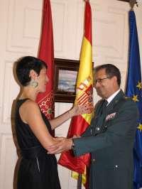 Elma Sáiz recibe al General de la Guardia Civil Benito Salcedo