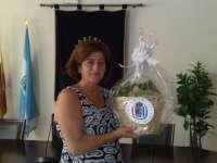 El Ayuntamiento de Manilva regala a Michelle Obama una cesta con uvas moscatel