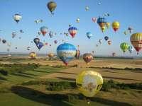 La Regata Internacional de Globos Aerostáticos de La Rioja celebrará su X aniversario con saltos en paracaídas