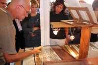 Araújo traslada a los artesanos el compromiso del Gobierno con el sector en la XI Feria de Artesanía de Albacete