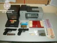 Detenidas once personas acusadas de falsificar documentos para obtener créditos bancarios