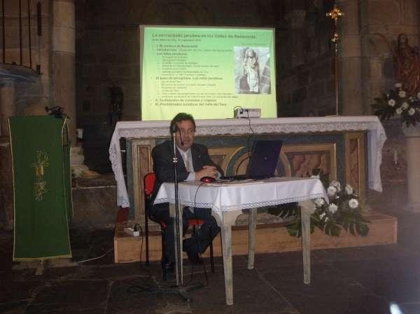 Martín Benito reclama un museo jacobeo en el Palacio de los Obispos de Astorga, en Santa Marta de Tera (Zamora)