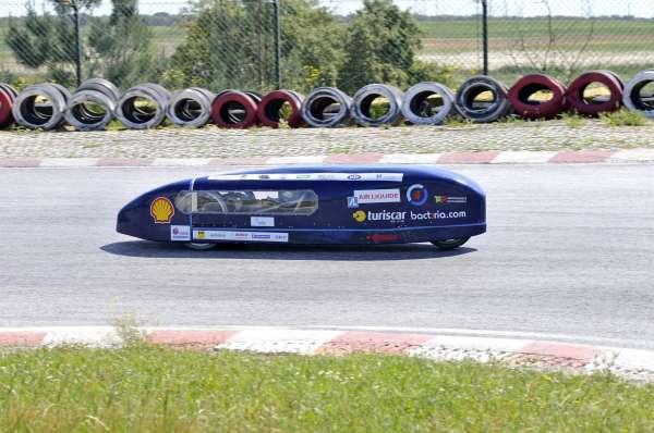 Alumnos del IES Alto Nalón participan con un prototipo de propulsión eléctrica en la carrera Solar Race de Murcia