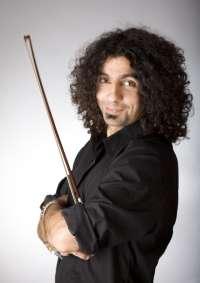 El violinista libanés Ara Malikian llevará el 8 de noviembre a Burgos su espectáculo de músicas cíngaras