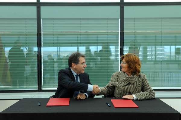 El presidente de la Cámara dice que el Palacio de Congresos Expo-Aragón