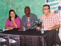 El documental 'Sueños de papel', primer acto para homenajear a los inmigrantes fallecidos en las costas canarias