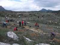 Ecologistas en Acción reforesta 6.000 sabinas en las zonas aledañas a la presa de La Risca, en Moratalla