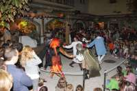 Miles de regalos en la fiesta de Halloween en Sendaviva