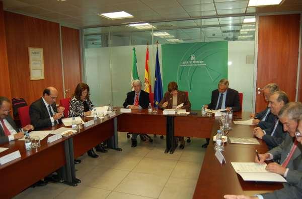 Las Autoridades Portuarias aportarán 46 millones para el desarrollo de la Red Logística de Andalucía