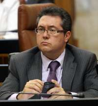 El Parlamento designa a Espadas como senador en representación de la comunidad autónoma