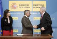 El ministro de Fomento firma el convenio del 1% Cultural para el yacimiento de Begastri en Cehegín