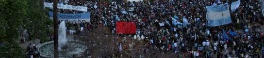 Homenaje a Kirchner en la plaza de Mayo en Buenos Aires