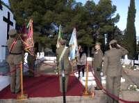 El Ejército de Tierra rinde homenaje, en el cementerio de Torrero, a militares fallecidos
