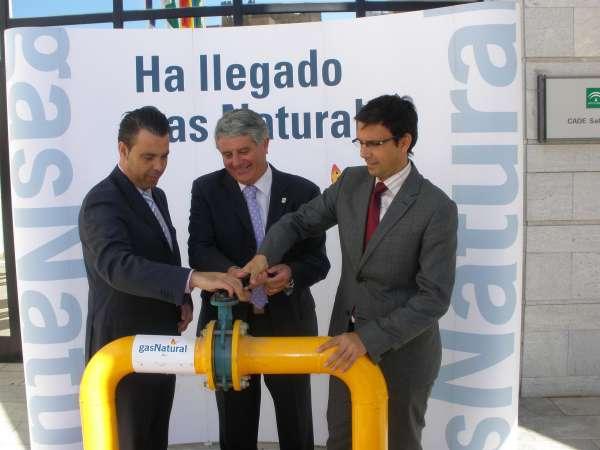Salobreña ya puede acceder al gas natural gracias a un acuerdo entre la Junta y Gas Natural