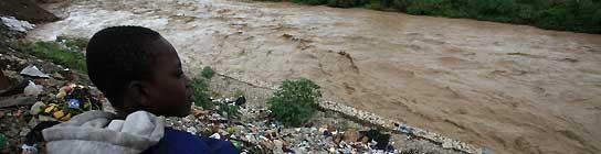 Haití ya sufre las consecuencias del huracán 'Tomás' con varias inundaciones graves  (Imagen: Orlando Barría / EFE)