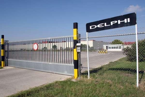Ex de Delphi se concentran este miércoles ante la Junta para reclamar que antiguos terrenos