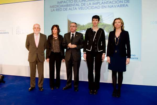 La llegada de la Alta Velocidad a Navarra incrementará el número de viajeros en tren en un 73,2% el primer año