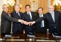 Suscrita la integración de Cajasol en Grupo Banca Cívica, que podría pedir un máximo de 1.000 millones al FROB