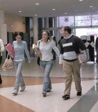 El 88,9% de los titulados de la Universitat de València encuentra trabajo poco después de acabar los estudios