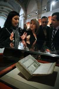 La Biblioteca Valenciana reúne por primera vez las tres únicas ediciones que existen del Tirant de 1490