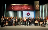 Barreda apoya a los artesanos para que España y Bruselas protejan la autenticidad de sus obras