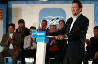 Rajoy acusa a Mas de prometer cosas que