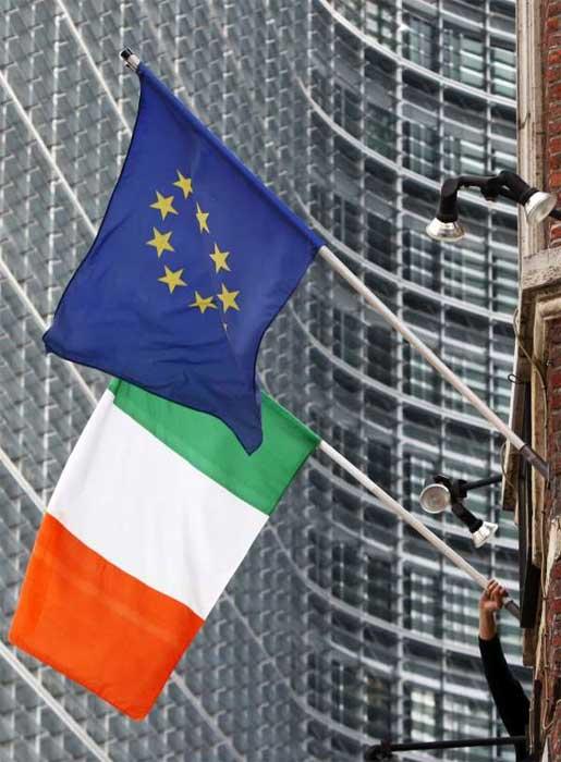 Los ministros de finanzas de la UE activan el rescate financiero para Irlanda