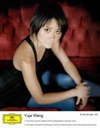 La pianista china yuja wang debuta en el Palau de la Música de Valencia