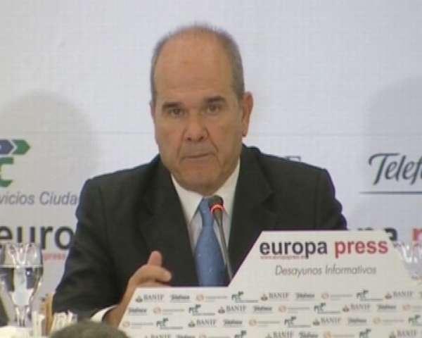 Chaves insta al PSOE a trabajar