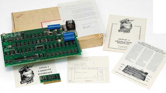Pagan más de 156.000 euros por el primer ordenador de Apple en una subasta