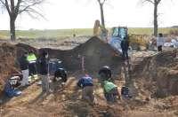 La ARMH halla ocho cadáveres en una fosa en las cercanías de Matallana de Valmadrigal (León)