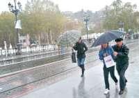 Las lluvias disminuirán y los termómetros subirán de mañana al viernes pero el puente será invernal