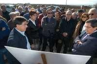 El nuevo puente sobre el Arroyo de Escóznar, que estará listo en cinco meses, evitará las riadas en Valderrubio