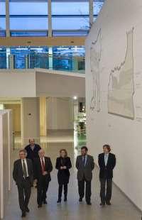 Consejeros de cultura de Navarra y La Rioja se muestran admirados en su visita al Museo de la Evolución Humana de B