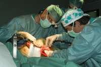Sanz anuncia que desde el primer trimestre de 2011 el Hospital San Pedro puede realizar trasplantes de riñón