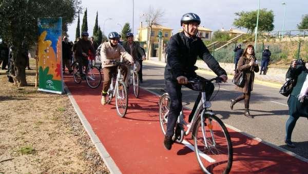Cantabria Conbici traslada al Ayuntamiento su