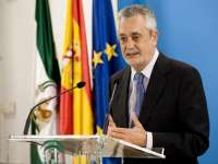 Griñán convocará este mes a los líderes políticos para abordar el futuro de la Política Agraria Común
