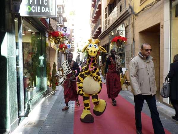 Un remolque con forma de rinoceronte y actores ataviados de jirafa y león desfilarán en la Cabalgata de Reyes de Murcia