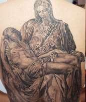 'La piedad' de Miguel Ángel, en versión de JuanPe Tattoo.