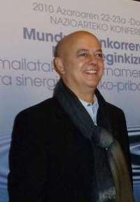 Elorza defiende la construcción del hotel en la parcela de Ondarreta porque
