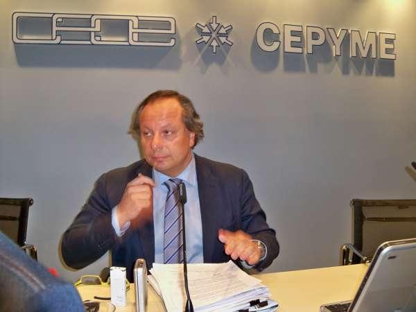 La Junta de CEOE encarga una auditoría y Mirones anuncia que se querellará con el secretario por difamaciones
