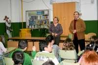 Guerrero explica a los alumnos del colegio Tartessos la importancia de la autonomía